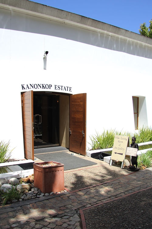 image of the entrance to the Cellar Door at Kanonkop Wine Estate