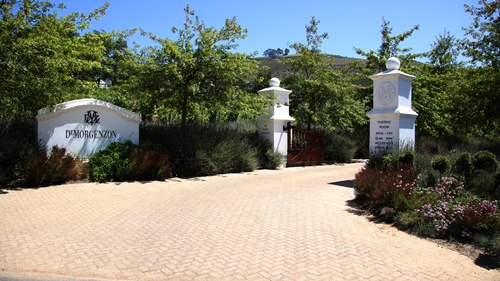 image of the entrance to the De Morgenzon Wine Estate in Stellenbosch